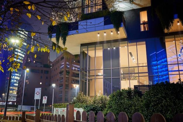 Bosco verticale, verticaal bos, modern appartement met bomen die op balkons groeien
