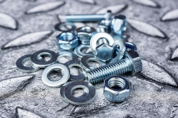 Bouten moeren schroef ring zink hoop chroom