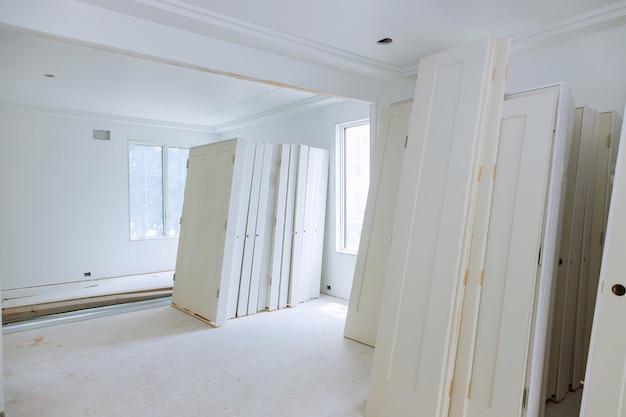 Bouw bouwnijverheid nieuwe huisbouw interieur gipsplaten en afwerking details