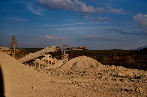 Bouw geologie zand werk graafmachine industrie