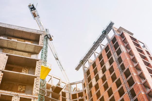 Bouw van nieuw residentieel gebouw