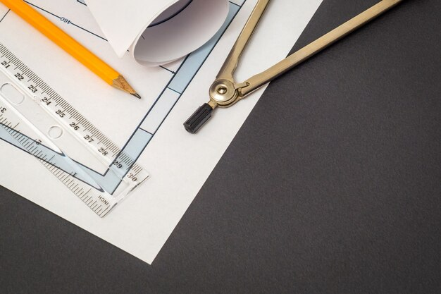 Bouwingenieur werkomgeving, tekeningen en accessoires