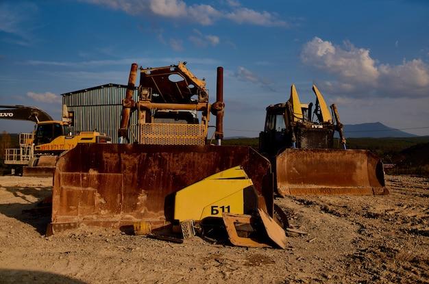 Bouwmaterialen machine werk bulldozer zand grind