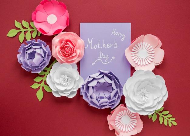 Boven weergave moederdag met papieren bloemen