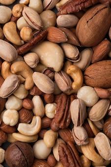 Bovenaanzicht achtergrond van assortiment van noten