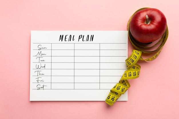 Bovenaanzicht arrangement met maaltijdplanner