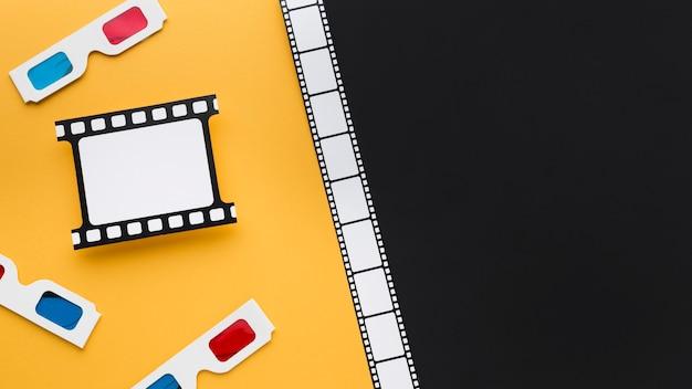 Bovenaanzicht arrangement van cinematografie-elementen met kopie ruimte