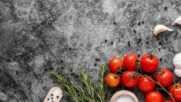 Bovenaanzicht arrangement van gezond voedsel voor het versterken van de immuniteit