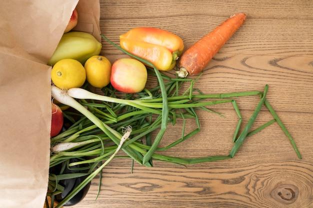 Bovenaanzicht arrangement van gezonde voeding