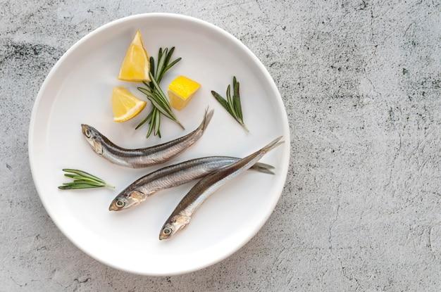 Bovenaanzicht arrangement van gezonde zeevruchten