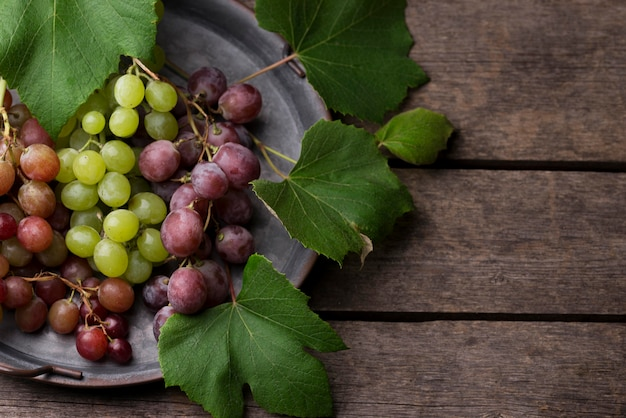 Bovenaanzicht arrangement van herfstfruit