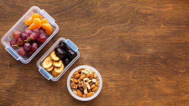 Bovenaanzicht arrangement van verschillende voedingsmiddelen