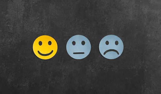 Bovenaanzicht assortiment met verschillende gevoelens