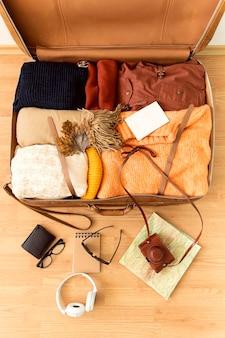 Bovenaanzicht assortiment reiselementen