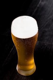 Bovenaanzicht bierglas