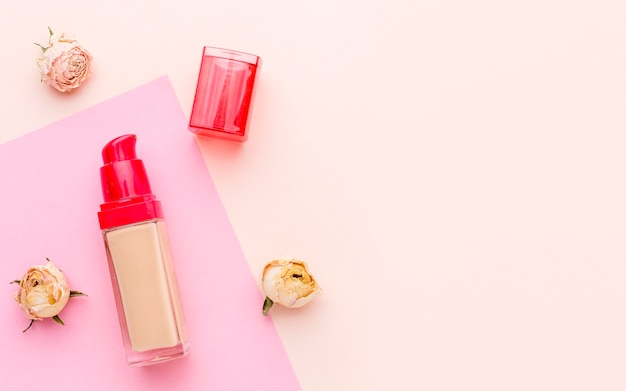 Bovenaanzicht biologische lippenstift met kopie ruimte