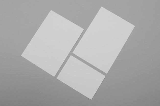 Bovenaanzicht branding concept met papier