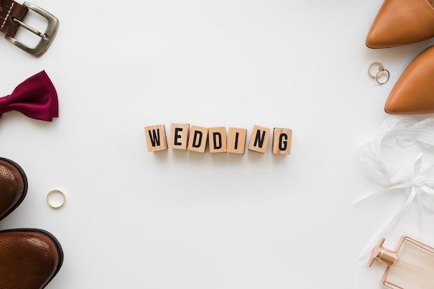 Bovenaanzicht bruiloft accessoires