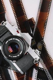 Bovenaanzicht camera met negatieven