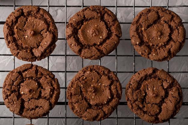 Bovenaanzicht chocolade snoepjes arrangement
