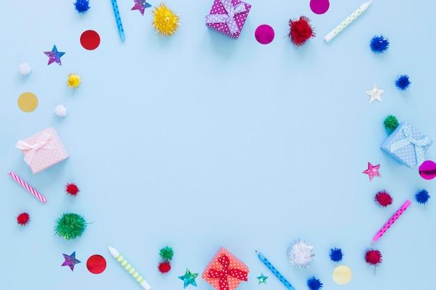 Bovenaanzicht circulaire frame met feestversieringen