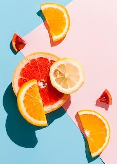 Bovenaanzicht citrus arrangement