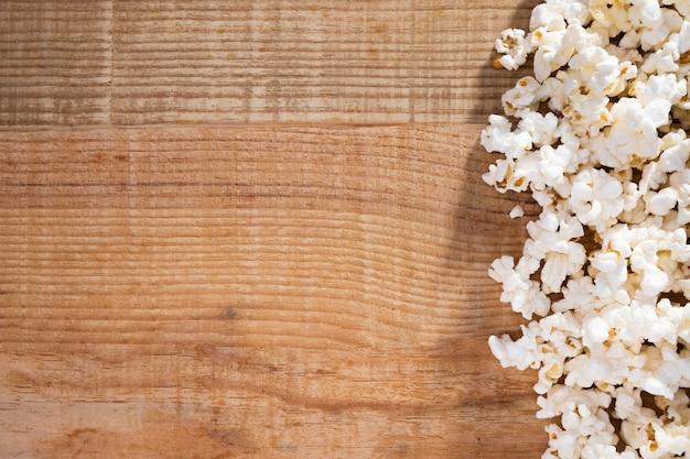 Bovenaanzicht collectie popcorn met kopie ruimte