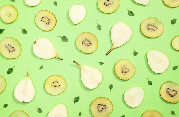 Bovenaanzicht collectie van kiwi en peren