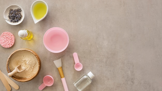 Bovenaanzicht cosmetische producten kopie ruimte