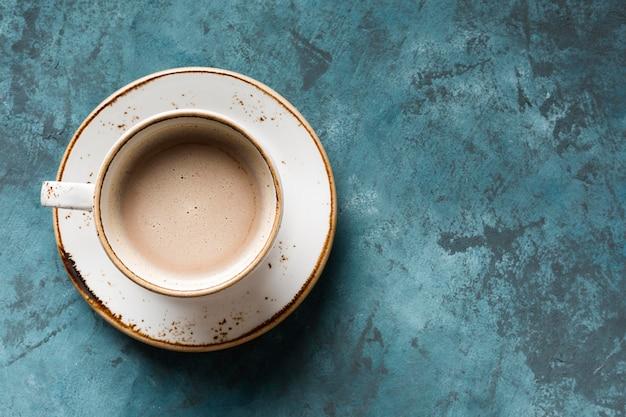 Bovenaanzicht creatief koffiearrangement