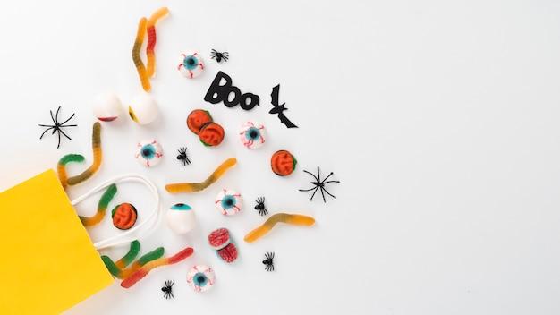 Bovenaanzicht creatieve halloween-compositie