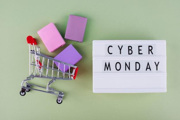 Bovenaanzicht cyber maandag compositie