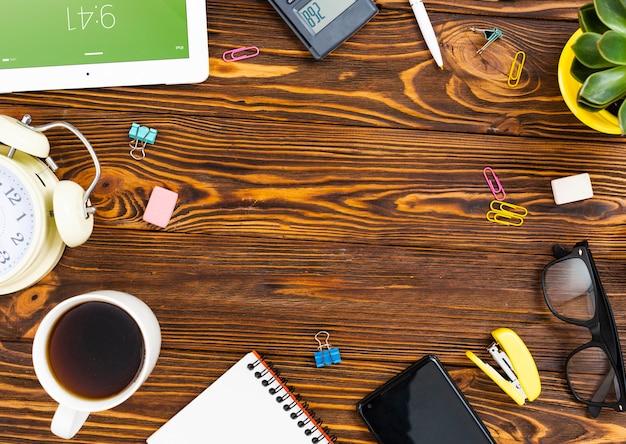 Bovenaanzicht desk concept met kopie ruimte