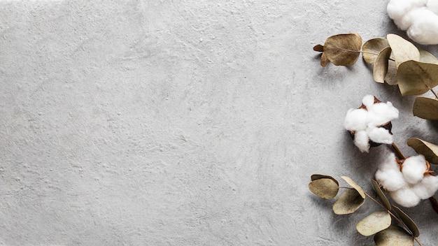 Bovenaanzicht droge bladeren met kopie ruimte