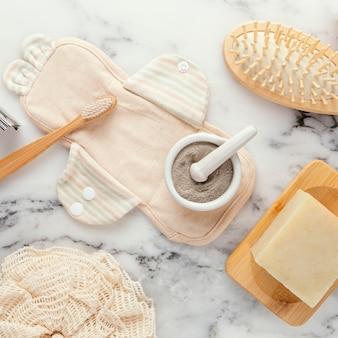 Bovenaanzicht ecologische tandenborstel en zeep