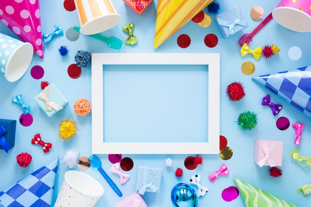 Bovenaanzicht feestornamenten met frame
