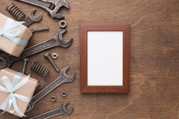 Bovenaanzicht frame en decoratie van gereedschappen