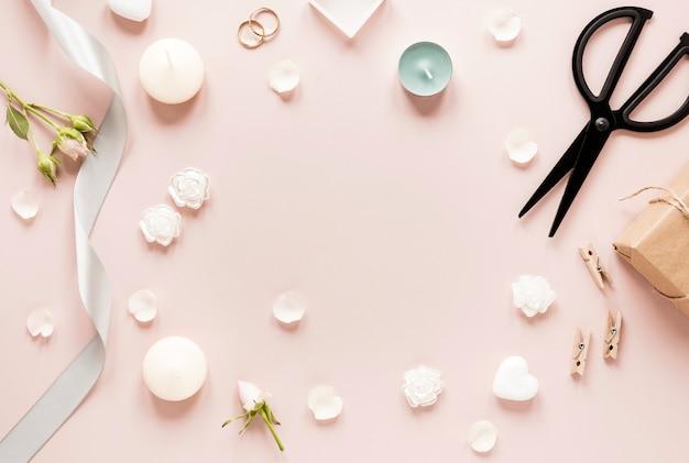 Bovenaanzicht frame van ornamenten voor bruiloft
