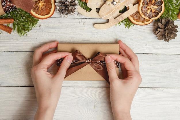 Bovenaanzicht gelukkig nieuwjaar festival of verjaardag en merry christmas day concept