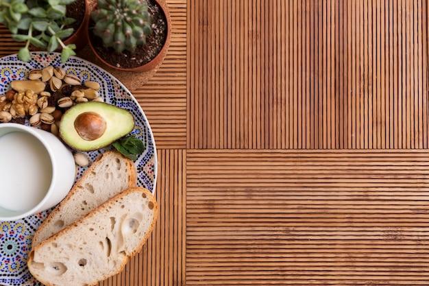 Bovenaanzicht gezond ontbijt kopie ruimte