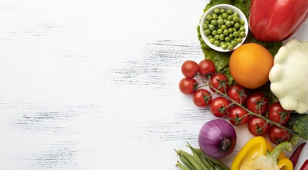 Bovenaanzicht groenten frame met kopie-ruimte