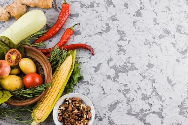 Bovenaanzicht groenten met kopie ruimte
