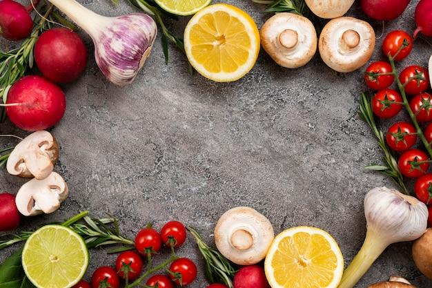Bovenaanzicht groenten met kopie-ruimte