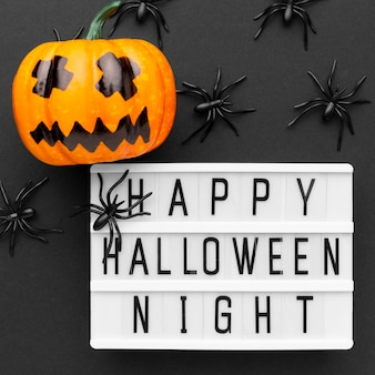 Bovenaanzicht happy halloween night concept