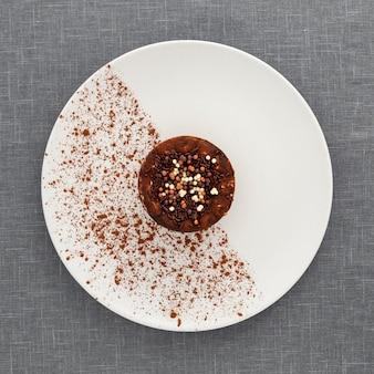 Bovenaanzicht heerlijk dessert op een bord