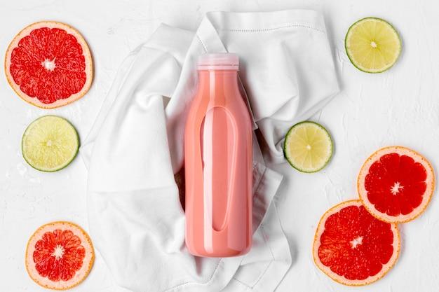 Bovenaanzicht heerlijke citrusdrank