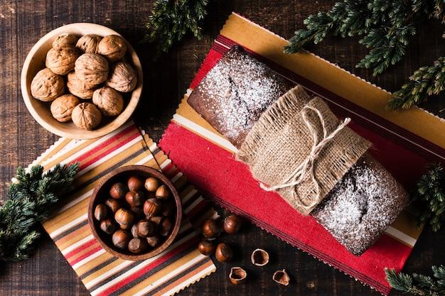 Bovenaanzicht heerlijke maaltijd voor kerstdiner