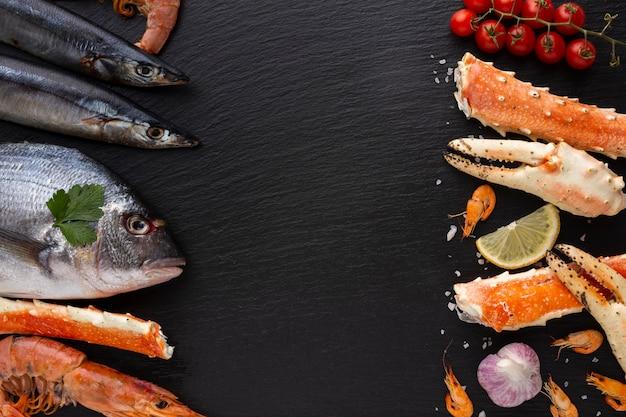 Bovenaanzicht heerlijke mix van zeevruchten