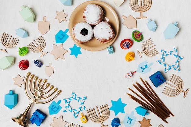 Bovenaanzicht heerlijke snoepjes op een tafel