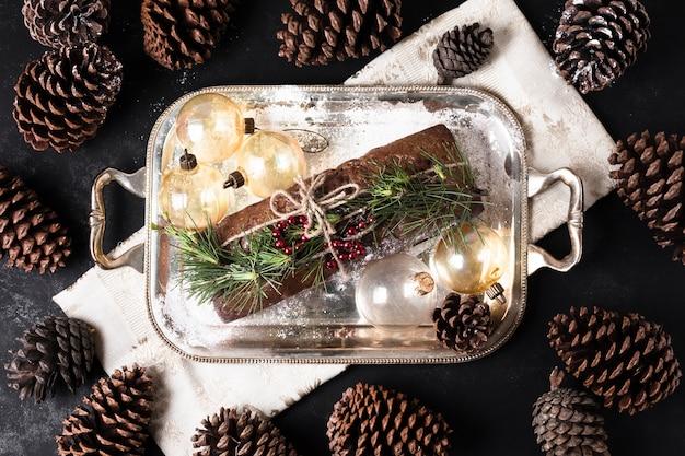 Bovenaanzicht heerlijke taart gemaakt voor kerstmis